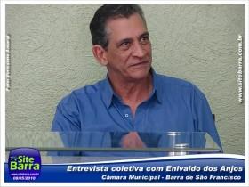 sitebarra-enivaldo-dos-anjos-em-entrevista-coletiva-em-barra-de-sao-francisco-161