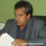 Barra de São Francisco: prefeito Waldeles se interna em Mantena