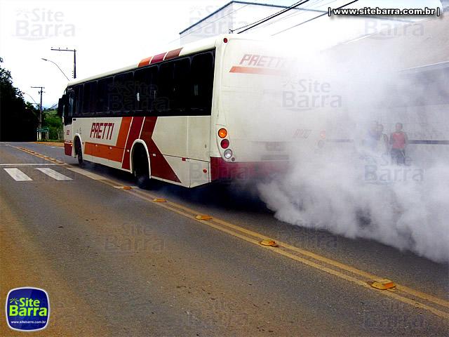 SiteBarra - Onibus da Pretti fumace em Barra de Sao Francisco (3)