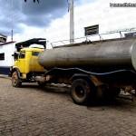 Caminhão da prefeitura de Mantenópolis é preso, mas liberado após acordo