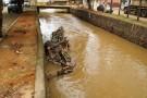 Enchente: Moradores pedem providências sobre passarelas que caíram