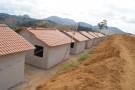 Famílias atingidas pela enchente vão receber 'casa própria' do governo do estado