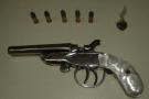 Homem é preso em flagrante por porte ilegal de arma de fogo em Barra de São Francisco