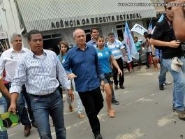 Candidato Paulo Hartung visita Barra de São Francisco
