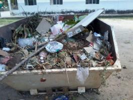 Moradores reclamam que lixo não é recolhido em Monte Senir, distrito de Barra de São Francisco