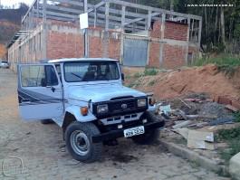Bandidos roubam Toyota do professor Márcio Pederzini em Barra de São Francisco