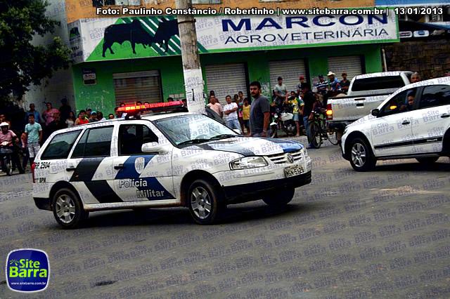 SiteBarra - Carros incendiados no posto de gasolina em Barra de Sao Francisco (106)