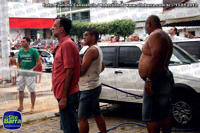 SiteBarra - Carros incendiados no posto de gasolina em Barra de Sao Francisco (142)