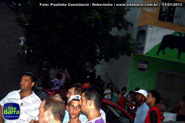 SiteBarra - Carros incendiados no posto de gasolina em Barra de Sao Francisco (51)