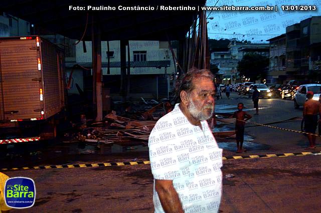 SiteBarra - Carros incendiados no posto de gasolina em Barra de Sao Francisco (7)