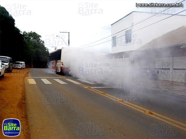 SiteBarra - Onibus da Pretti fumace em Barra de Sao Francisco (2)