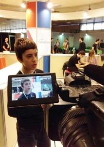 programador_nikos_adam_12concede_entrevista_durante_evento_de_tecnologia_na_grecia_1384967704337_300x420-46861