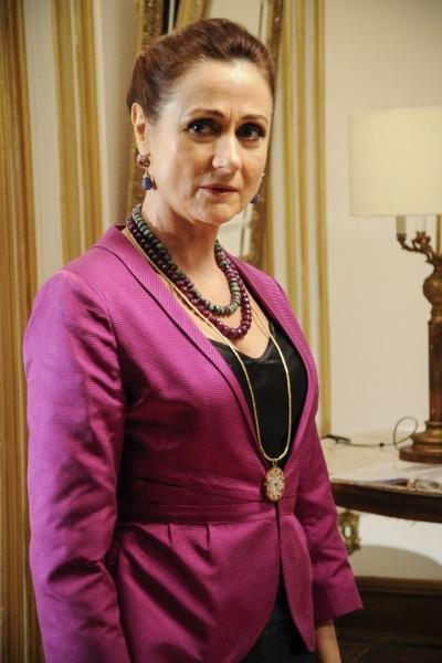 """Aos 60 anos, Zezé Polessa também esbanja uma ótima forma física. A atriz global já revelou que adora cuidar da aparência e é vaidosa. O último trabalho da artista foi em """"Salve Jorge"""" (2012)."""