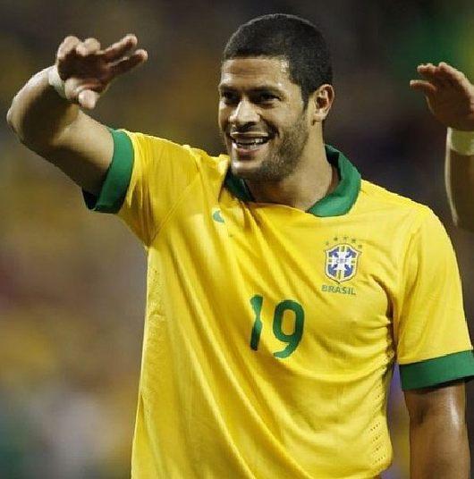 Hulk é um dos jogadores mais bem pagos da seleção brasileira. Jogando pelo Zenit, da Rússia, o atacante fatura R$ 2 milhões por mês