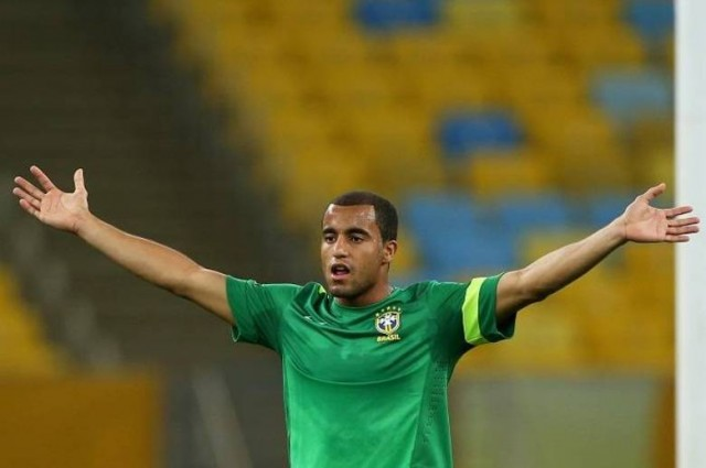 Lucas foi vendido a peso de euro pelo São Paulo ao PSG. Na França, o jovem fatura R$ 1,04 milhão mensais