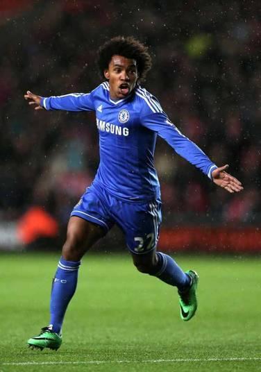 Willian é mais um dos brasileiros convocados que atua no Chelsea. O salário do meia no clube inglês não é divulgado, mas, especula-se que seja algo em torno de R$ 7,5 milhões por temporada (R$ 625 mil por mês)