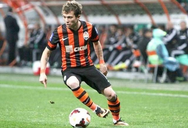 Bernard não fica muito atrás dos companheiros. O jovem jogador recebe R$ 1,1 milhão do Shakhtar Donetsk, time da Ucrânia